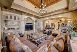 2,700 sqft of luxury living with endless entertainment options!