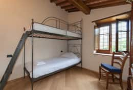 Holiday-in-Tuscany-Poppi-Villa-Borgo-Bibbiena (25)