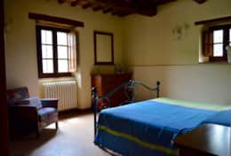 luxuryvacationvillaumbriatuscanyborder-bedroomdownstairs2