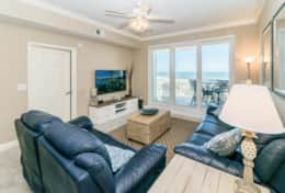 Spectacular oceanfront views. Comfortable reclining sofas.