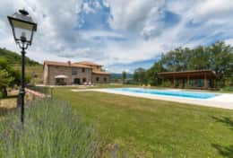 Holiday-in-Tuscany-Poppi-Villa-Borgo-Bibbiena