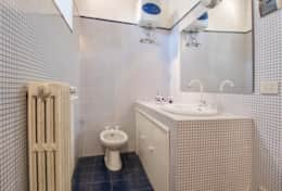 Antica Villa Cortona, ground floor apartment bathroom