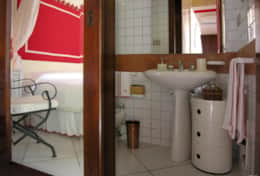 Grecale - bathroom with shower - Leuca - Salento