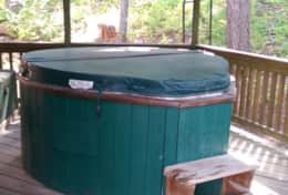 Private Hot Tub with Cover 08.01.2015a