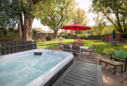 Desert_Gardens-Hot Tub_Yard