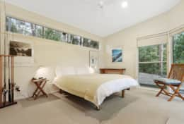 Queen Bedroom 2 - The River House Gipsy Point - Good House Holiday Rentals