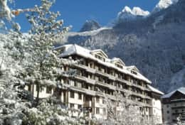 Front of the Residence Chamois Blanc. The apartment is at the rear and faces a quiet garden