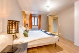 chambre 1 / room 1 lit double + chauffeuse simple