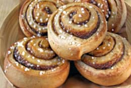 K39 Thistle Cottage - Kanelbullar or cinnamon buns always taste good!