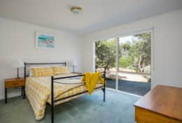 Coonawarra Master Bedroom - Good House Holiday Rentals
