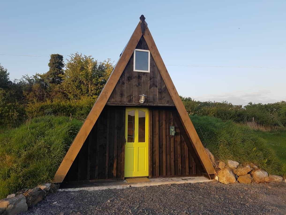 Fina Na Foraoise Wooden Cabin External