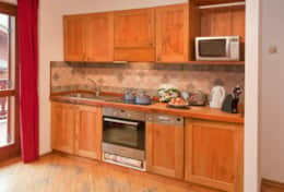 Fully equipped kitchen provides everything a keen cook needed.